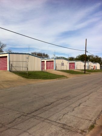 Tri Star Self Storage - Clark 1809 Clark Avenue Waco, TX - Photo 2