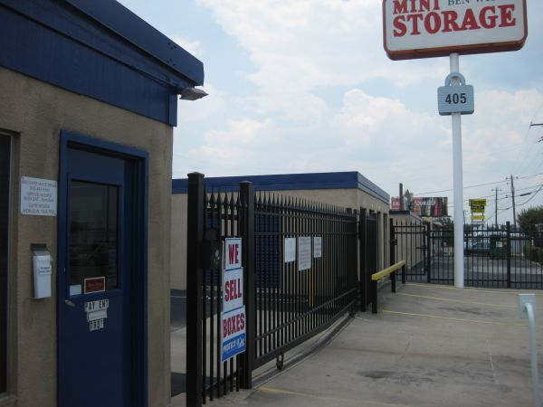 Ben White Mini Storage 405 E Ben White Blvd Austin, TX - Photo 0