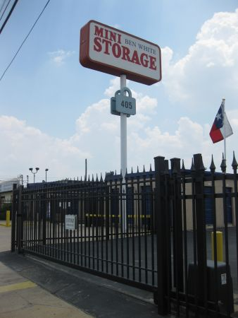 Ben White Mini Storage 405 E Ben White Blvd Austin, TX - Photo 2