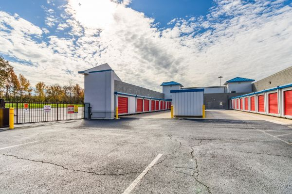Fairless Hills Self Storage 495 South Oxford Valley Road Fairless Hills, PA - Photo 10