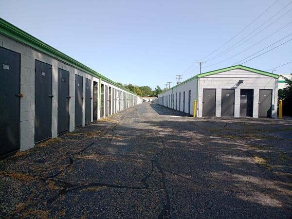 Great Value Storage - Dayton 426 N Smithville Rd Dayton, OH - Photo 4