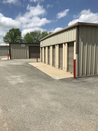 Olathe Self Storage 715 North Lindenwood Drive Olathe, KS - Photo 2