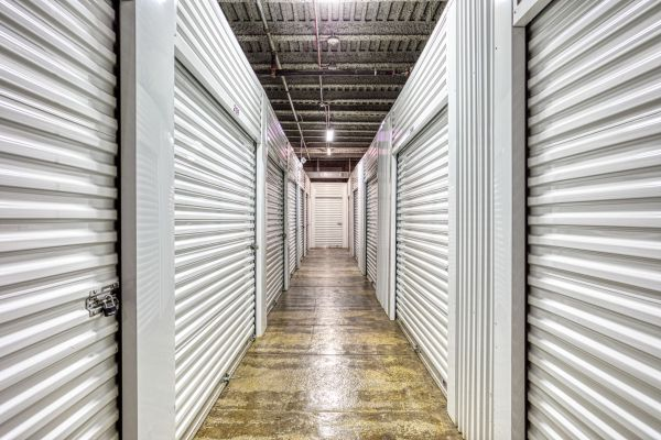 Devon Self Storage - Canal St 1601 South Canal Street Chicago, IL - Photo 7
