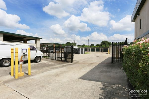Great Value Storage - La Porte 10601 W Fairmont Pkwy La Porte, TX - Photo 1
