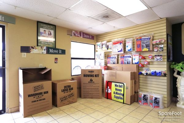 Great Value Storage - La Porte 10601 W Fairmont Pkwy La Porte, TX - Photo 5