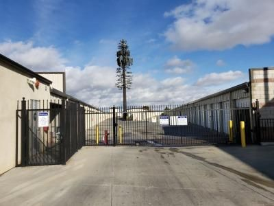 Life Storage - Lancaster 2103 W Avenue J Lancaster, CA - Photo 4
