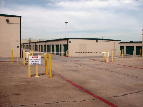 Great Value Storage - Fort Worth, I-35 North 613 North Fwy Fort Worth, TX - Photo 3