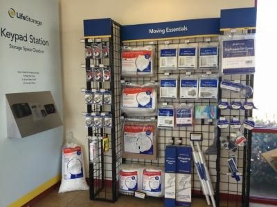 Life Storage - Palmdale 380 West Palmdale Boulevard Palmdale, CA - Photo 6