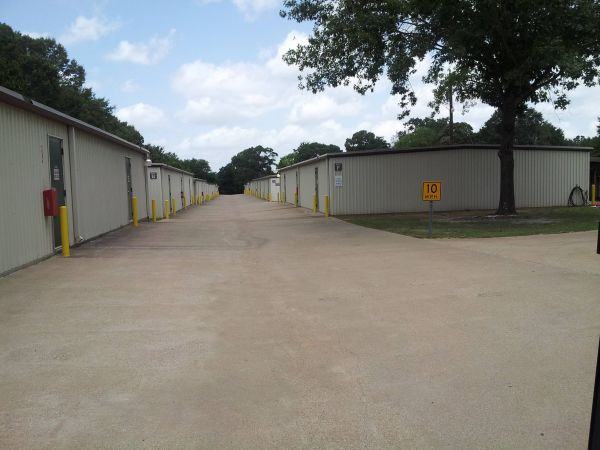 Lonestar Self Storage 3521 Frankston Highway Tyler, TX - Photo 1