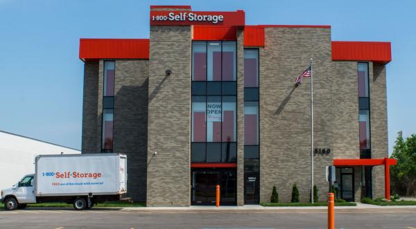 1-800-Self Storage - 8 Mile 15160 West 8 Mile Road Oak Park, MI - Photo 7
