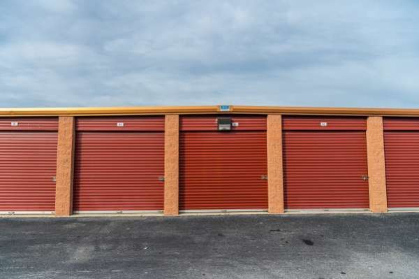 iStorage New Castle 4016 North Dupont Highway New Castle, DE - Photo 1