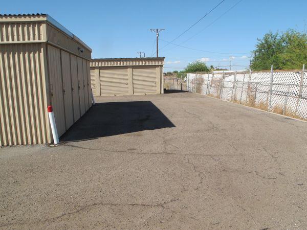 SuperStorage - El Centro 1299 North Imperial Avenue El Centro, CA - Photo 4