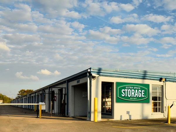 Extra Space Storage - Clute - Brazos Park Dr 807 Brazospark Drive Clute, TX - Photo 0