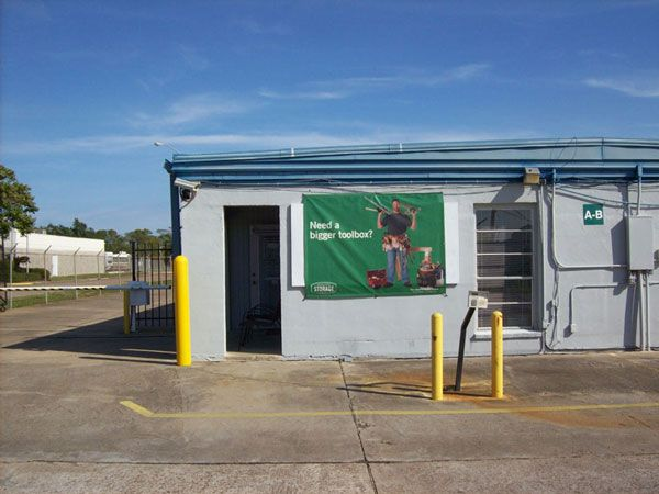 Extra Space Storage - Clute - Brazos Park Dr 807 Brazospark Drive Clute, TX - Photo 6