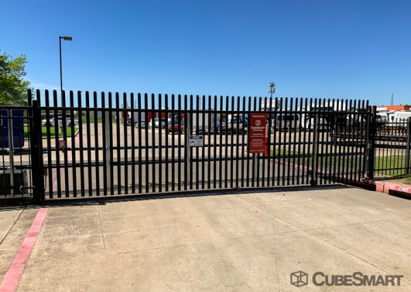 CubeSmart Self Storage - Dallas - 9713 Harry Hines Blvd 9713 Harry Hines Blvd Dallas, TX - Photo 5