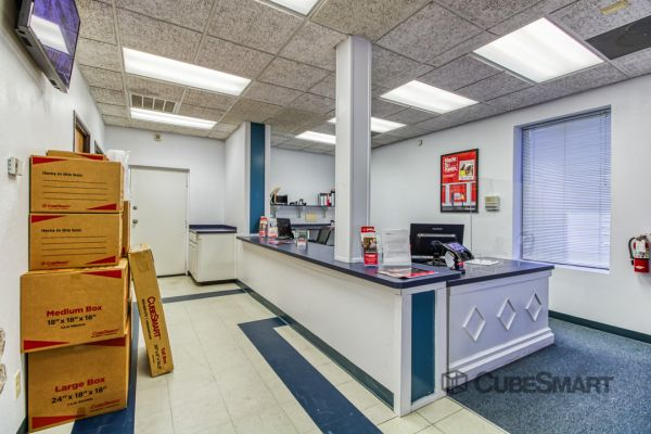 CubeSmart Self Storage - Corinth 6501 South Interstate 35 East Corinth, TX - Photo 5
