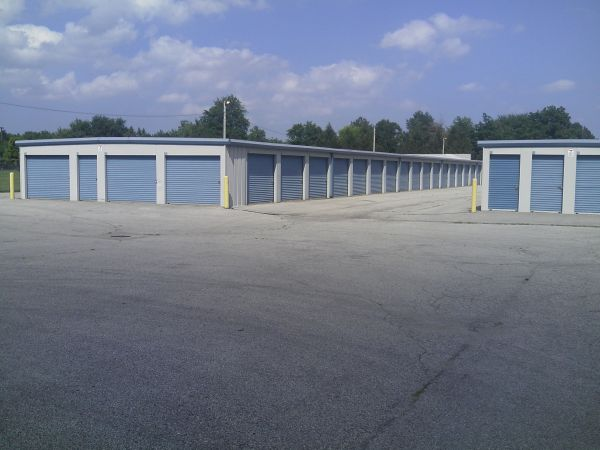 Southside Self Storage 1340 Conant St Maumee, OH - Photo 2