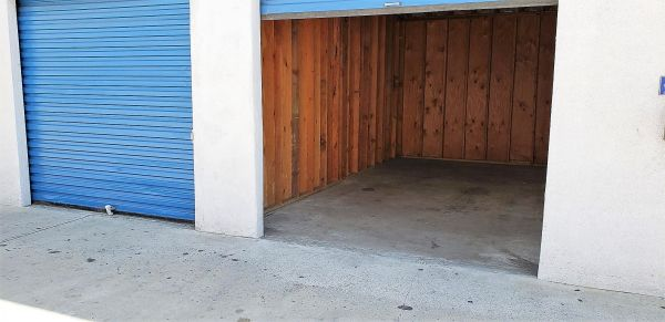 Huntington Park Self Storage 5961 Santa Fe Avenue Huntington Park, CA - Photo 4