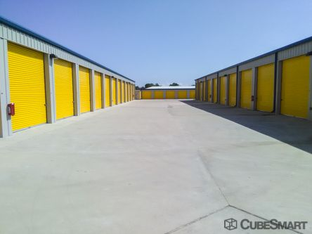 CubeSmart Self Storage - Bacliff 2919 Highway 146 Bacliff, TX - Photo 2