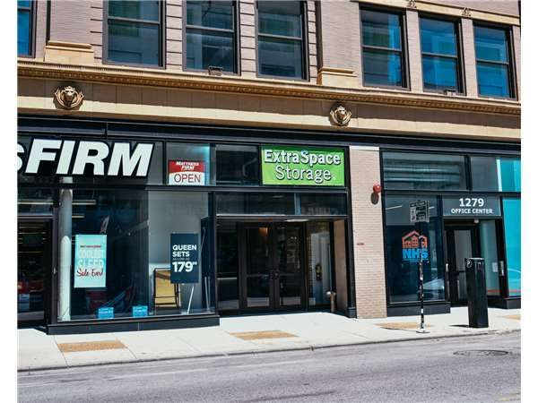 Superior ... Extra Space Storage   Chicago   N Milwaukee1300 North Ashland Avenue    Chicago, ...