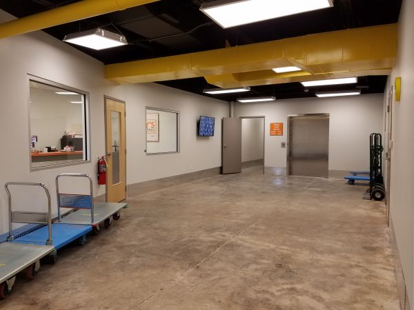 joey 39 s self storage springfield north lowest rates. Black Bedroom Furniture Sets. Home Design Ideas