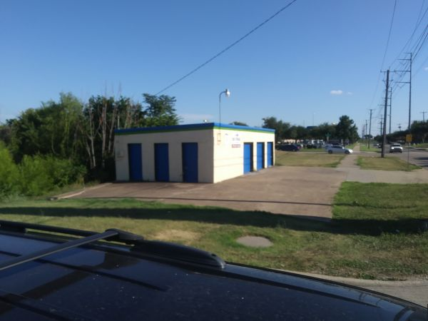 A Mini Self Storage 3926 South Shiloh Road Garland, TX - Photo 6