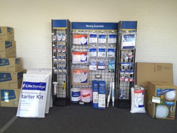 Life Storage - Hamden 1315 Dixwell Avenue Hamden, CT - Photo 1