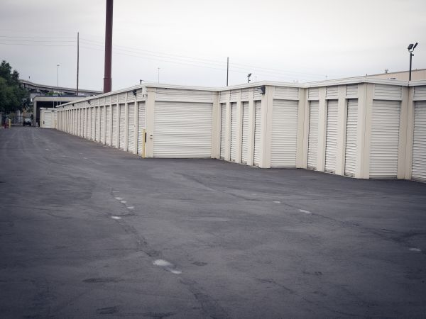 EZ Storage - Salt Lake City - 2385 South 300 West 2385 South 300 West Salt Lake City, UT - Photo 2