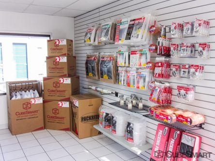 ... CubeSmart Self Storage   Hallandale Beach   450 Ansin Boulevard450  Ansin Boulevard   Hallandale Beach, ...