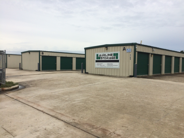 Airline Storage 1709 Beauvoir Street Victoria, TX - Photo 1