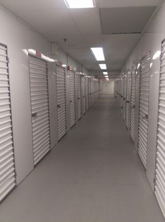 Storage Quarters - Garden City - 999 Stewart Avenue 999 Stewart Avenue Garden City, NY - Photo 2