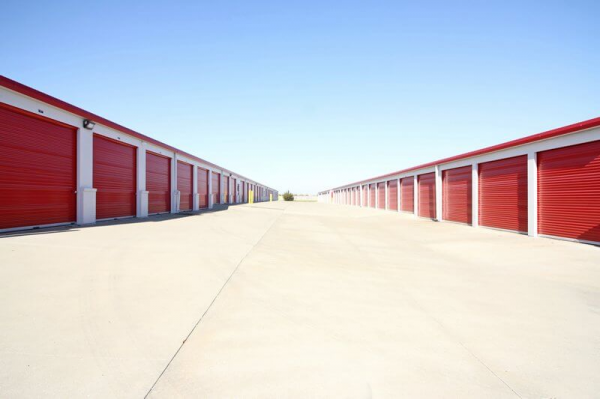 iStorage Shawnee Highway K7 7804 Meadow View Drive Shawnee, KS - Photo 3