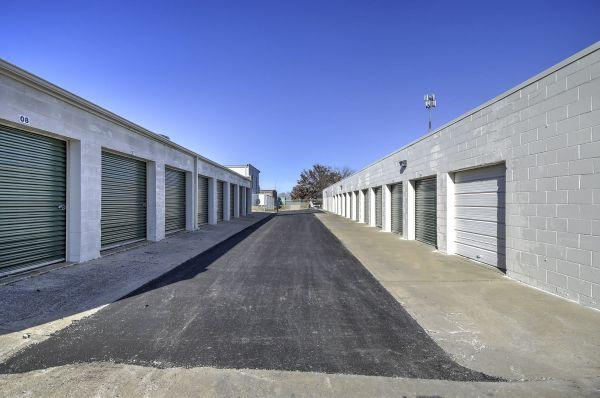 Belton Self Storage 115 Wilbur Parish Circle Belton, MO - Photo 0