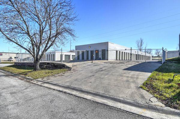 Belton Self Storage 115 Wilbur Parish Circle Belton, MO - Photo 3