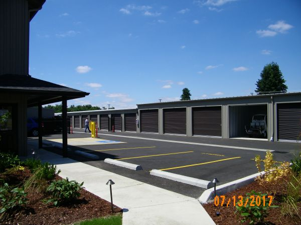 Coburg Road Storage 3700 Coburg Road Eugene, OR - Photo 3