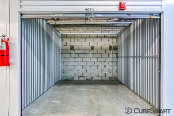 CubeSmart Self Storage - Oakland Park 5061 Northeast 13th Avenue Oakland Park, FL - Photo 3