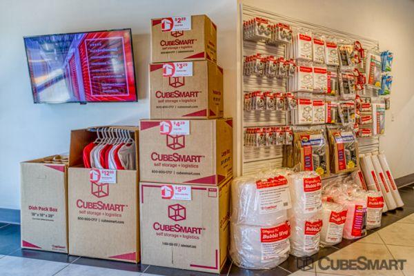 CubeSmart Self Storage - Oakland Park 5061 Northeast 13th Avenue Oakland Park, FL - Photo 9