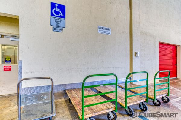 CubeSmart Self Storage - Oakland Park 5061 Northeast 13th Avenue Oakland Park, FL - Photo 5