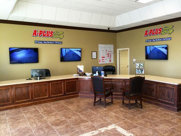 1585 A-Plus Shops & RV 2614 Farm to Market Road 1585 Lubbock, TX - Photo 4
