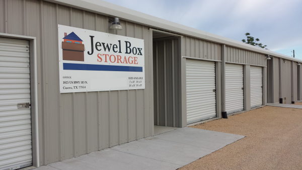 Jewel Box Storage 1025 US Highway 183 Cuero, TX - Photo 1