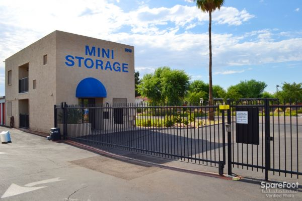 Paradise Mini Storage - Glendale - 5913 W Paradise Ln 5913 W Paradise Ln Glendale, AZ - Photo 1