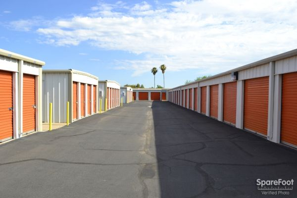 Paradise Mini Storage - Glendale - 5913 W Paradise Ln 5913 W Paradise Ln Glendale, AZ - Photo 5