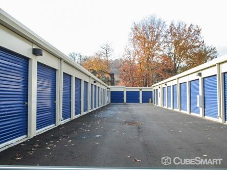 CubeSmart Self Storage - Chattanooga - 816 Mountain Creek Rd 816 Mountain Creek Rd Chattanooga, TN - Photo 4