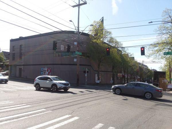 Econo Mini Storage 6920 Roosevelt Way NE Seattle, WA - Photo 2