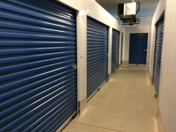 Big Blue Storage - N Lynndale Dr. 555 North Lynndale Drive Appleton, WI - Photo 2