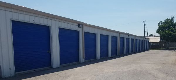 Top Value Storage - 1003 N 38th St. 1003 North 38th Street Killeen, TX - Photo 6