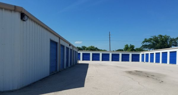 Top Value Storage - 1003 N 38th St. 1003 North 38th Street Killeen, TX - Photo 7