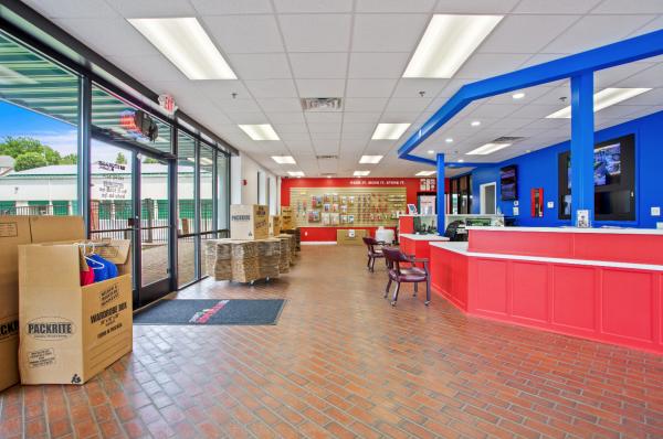 US Storage Centers - Nashville - 6346 Nolensville Pike 6346 Nolensville Pike Nashville, TN - Photo 6