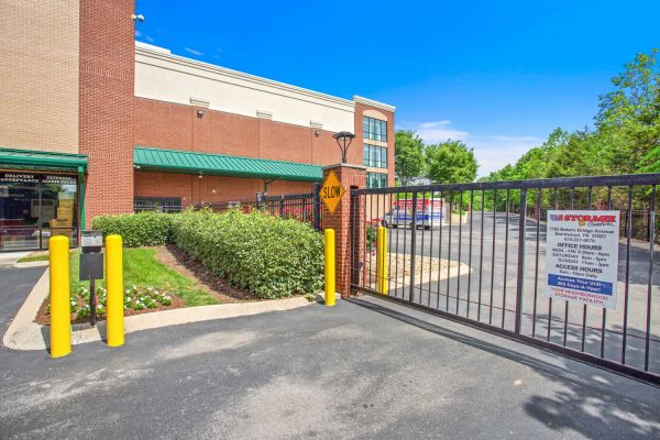 US Storage Centers - Brentwood - 7102 Bakers Bridge Avenue 7102 Bakers Bridge Avenue Brentwood, TN - Photo 6