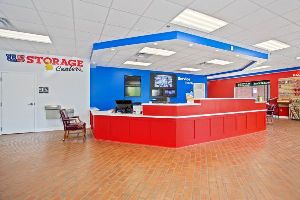 US Storage Centers - Brentwood - 7102 Bakers Bridge Avenue 7102 Bakers Bridge Avenue Brentwood, TN - Photo 9